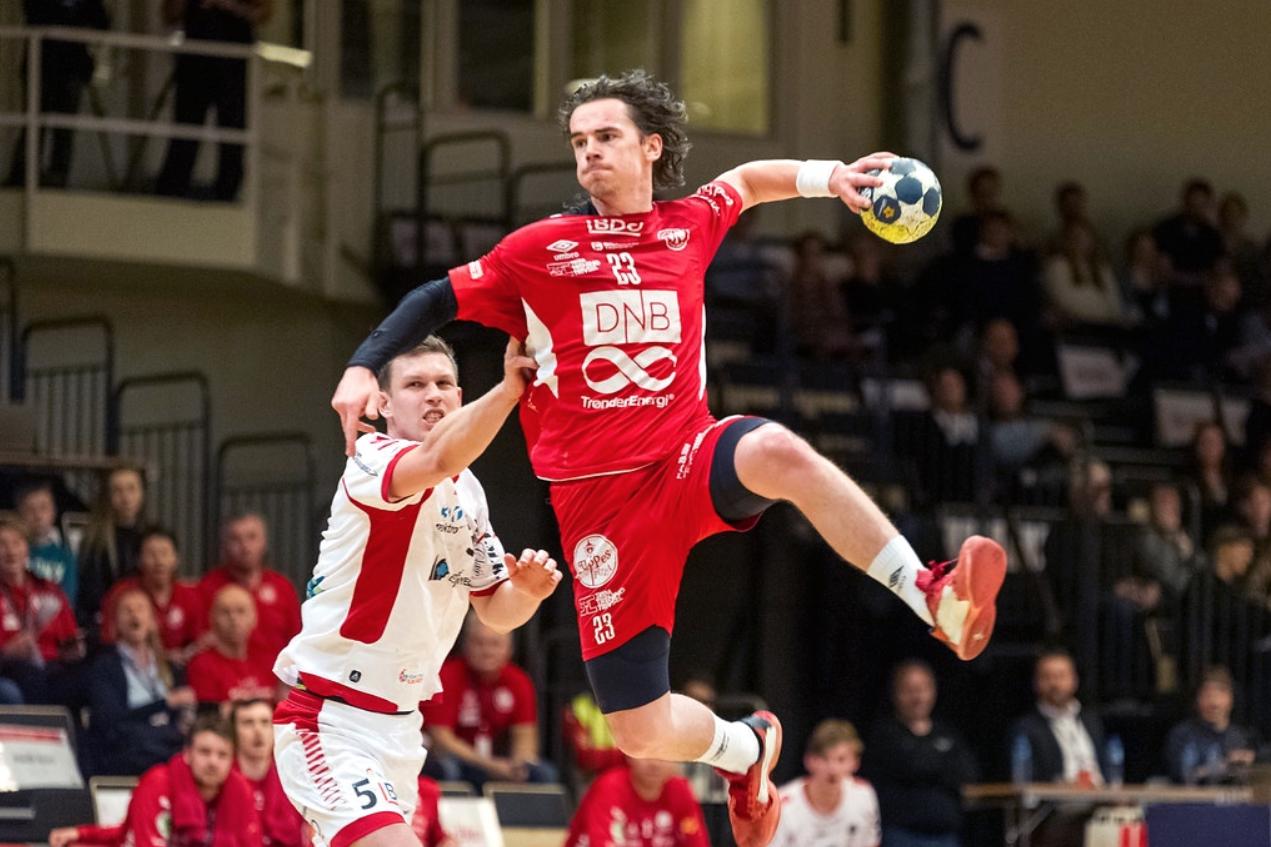 Håndballspiller i aksjon
